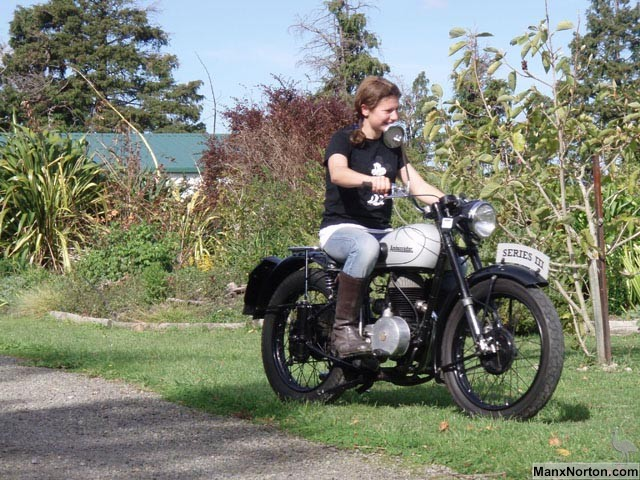 Ambassador 1949 Villiers 197cc