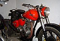 Ariel-1951-Red-Hunter-VH-500.jpg