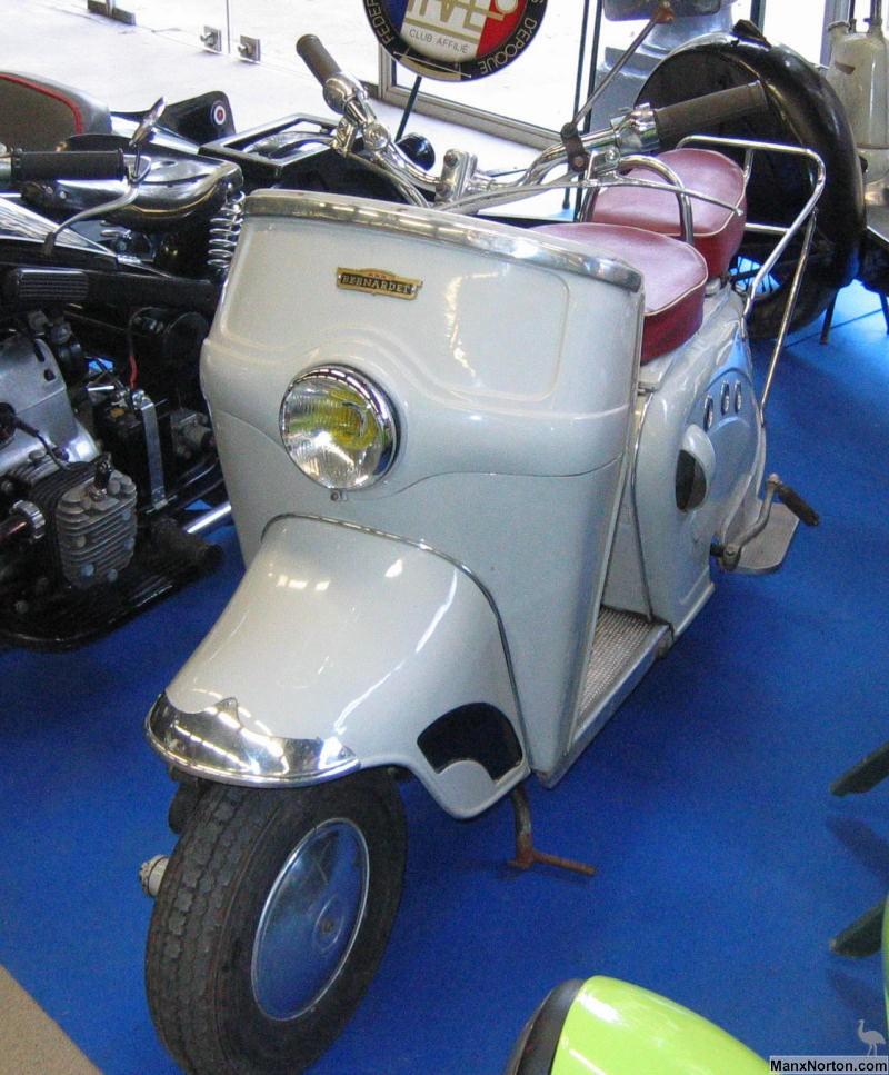 Bernardet Y52 1953 Scooter In Museum