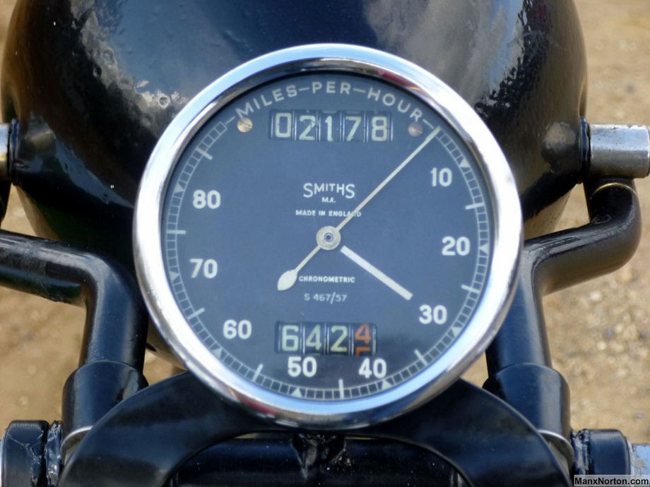 Panther 1932 Garrard Sidecar, Smiths speedometer